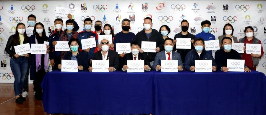 Seventeen Mongolian athletes collected their final Olympic Solidarity grants in Ulannbaatar ahead of the Tokyo 2020 ©MNOC