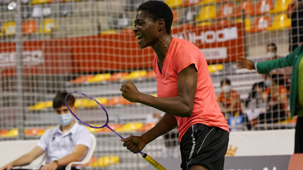 Debutant Bolaji dedicates gold at Spanish Para Badminton International to coach who died last month