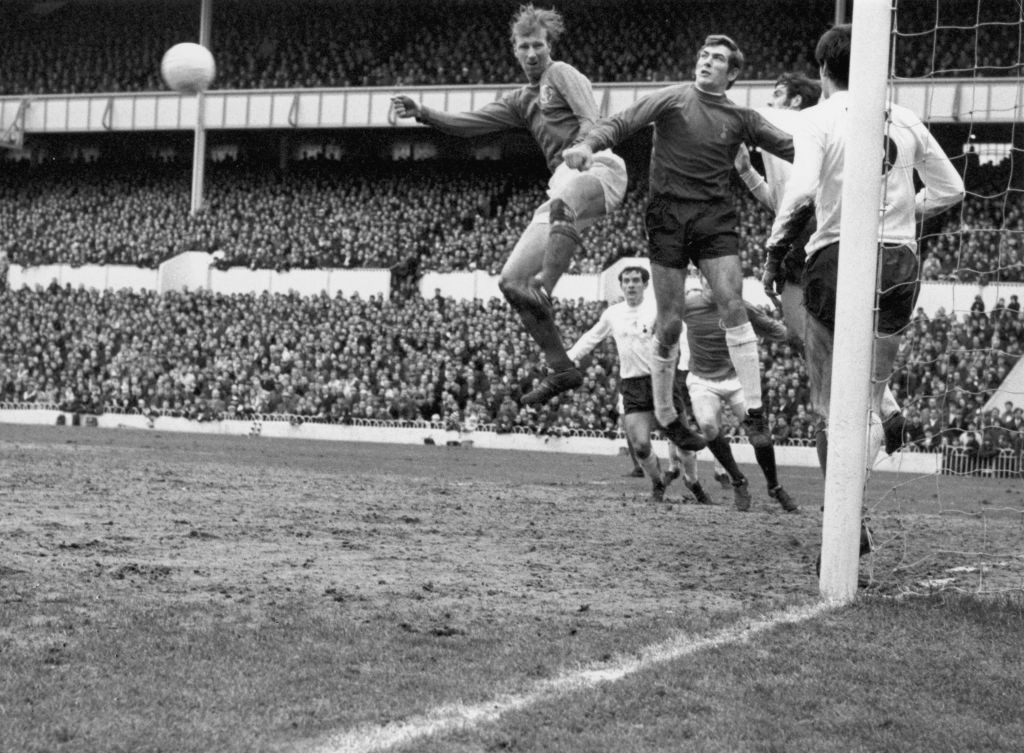 Tottenham Hotspur keeper Pat Jennings, pictured in action against Leeds United in 1969, famously scored direct from a punt out in the 1967 FA Charity Shield match against Manchester United ©Getty Images