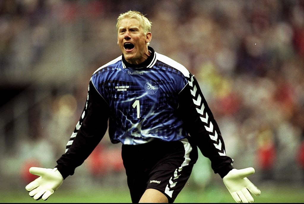 Peter Schmeichel's goalkeeping career for Denmark and club teams including Manchester United and Aston Villa saw him score 11 top class goals either from the penalty spot of open play ©Getty Images