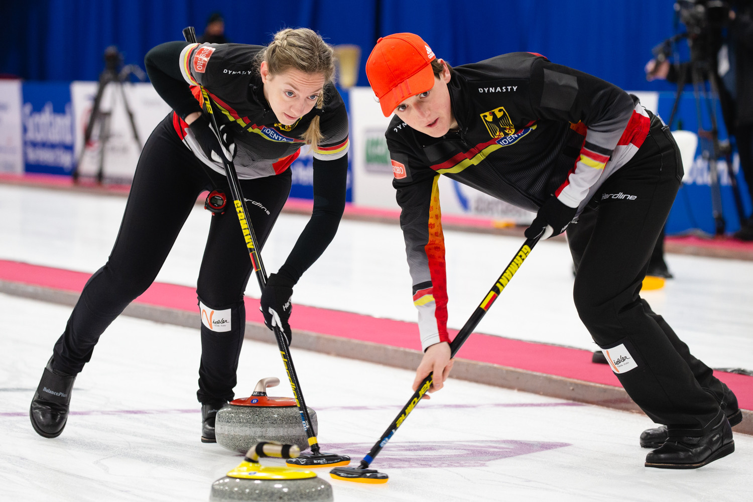 Sweden remain as only undefeated nation at World Mixed Doubles Curling Championship