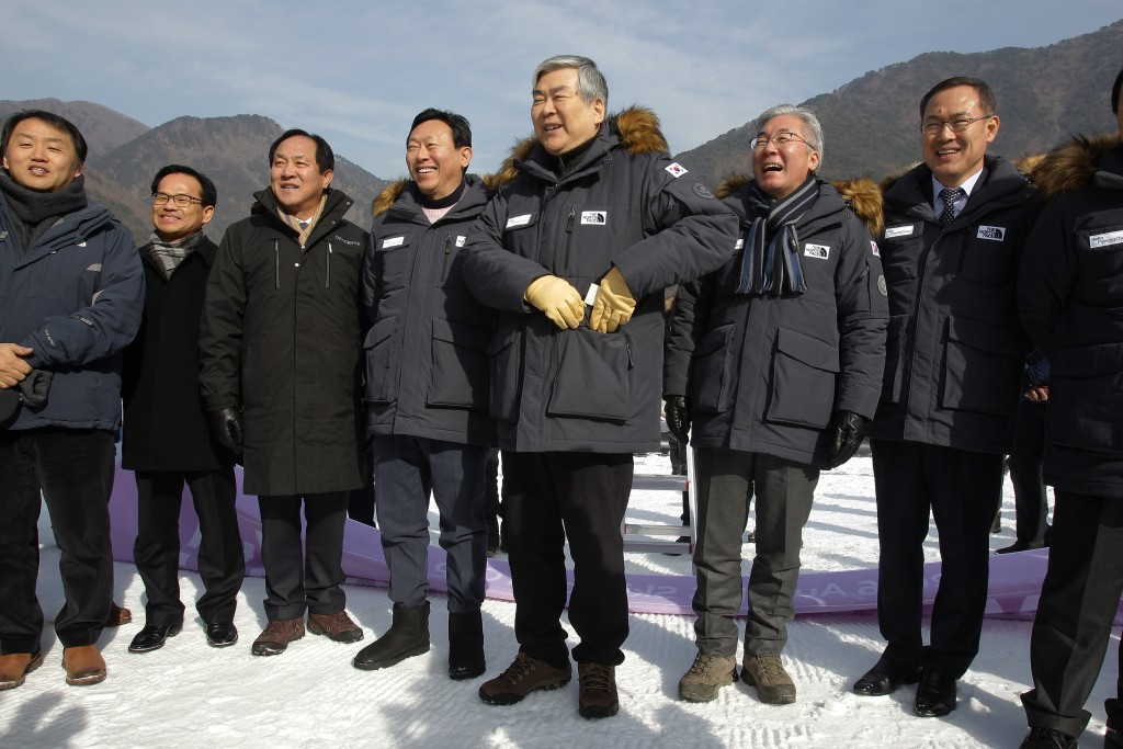 Korean Ski Association President Shin Dong-bin recently visited some of the Winter Olympic venues along with Pyeongchang 2018 President Cho Yang-ho ©Getty Images