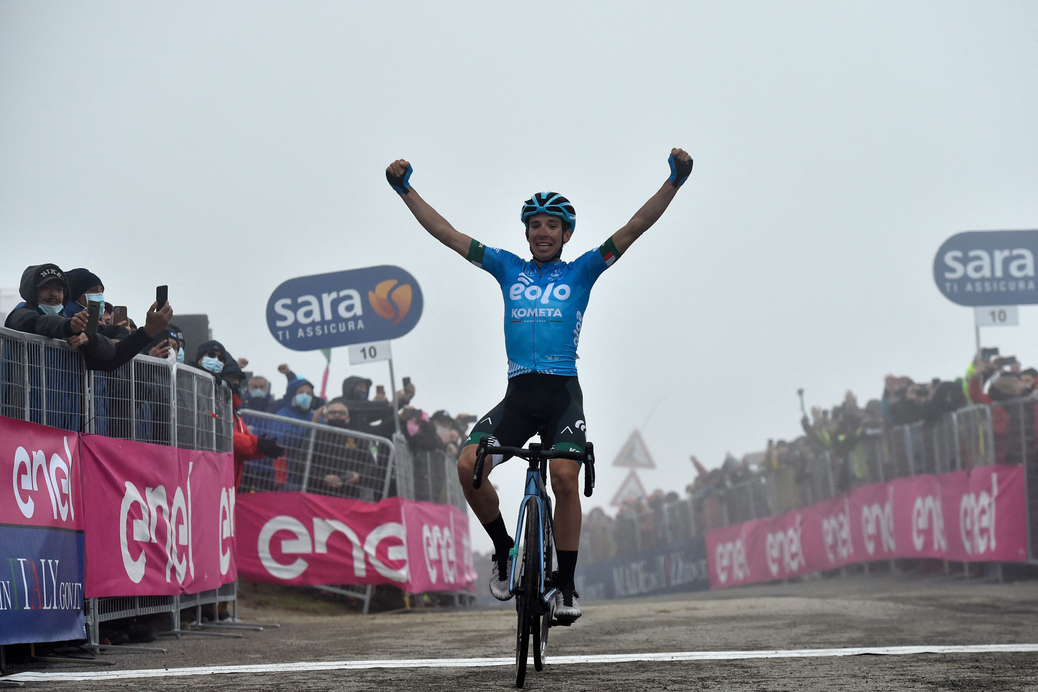 Fortunato secures biggest stage win of career as Bernal extends Giro d'Italia lead