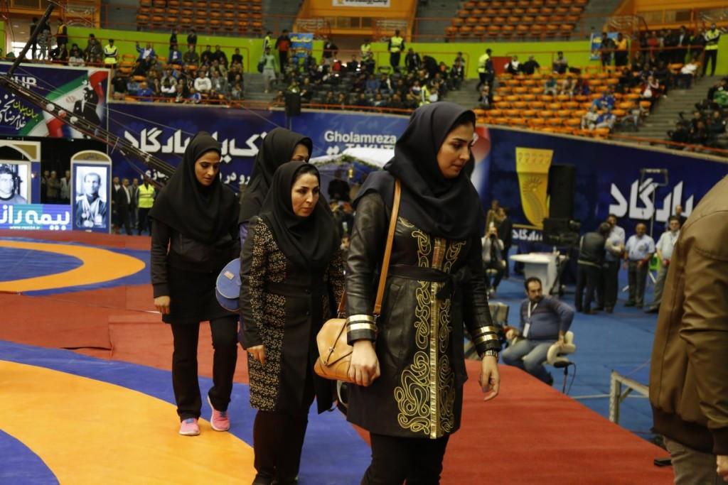 Iran Wrestling Federation establishes annual salaries for female coaches