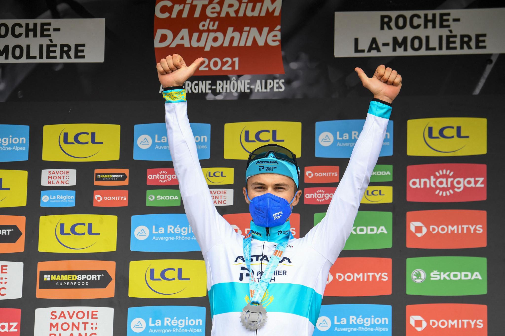 Lutsenko closes gap on Pöstlberger with time-trial win at Critérium du Dauphiné