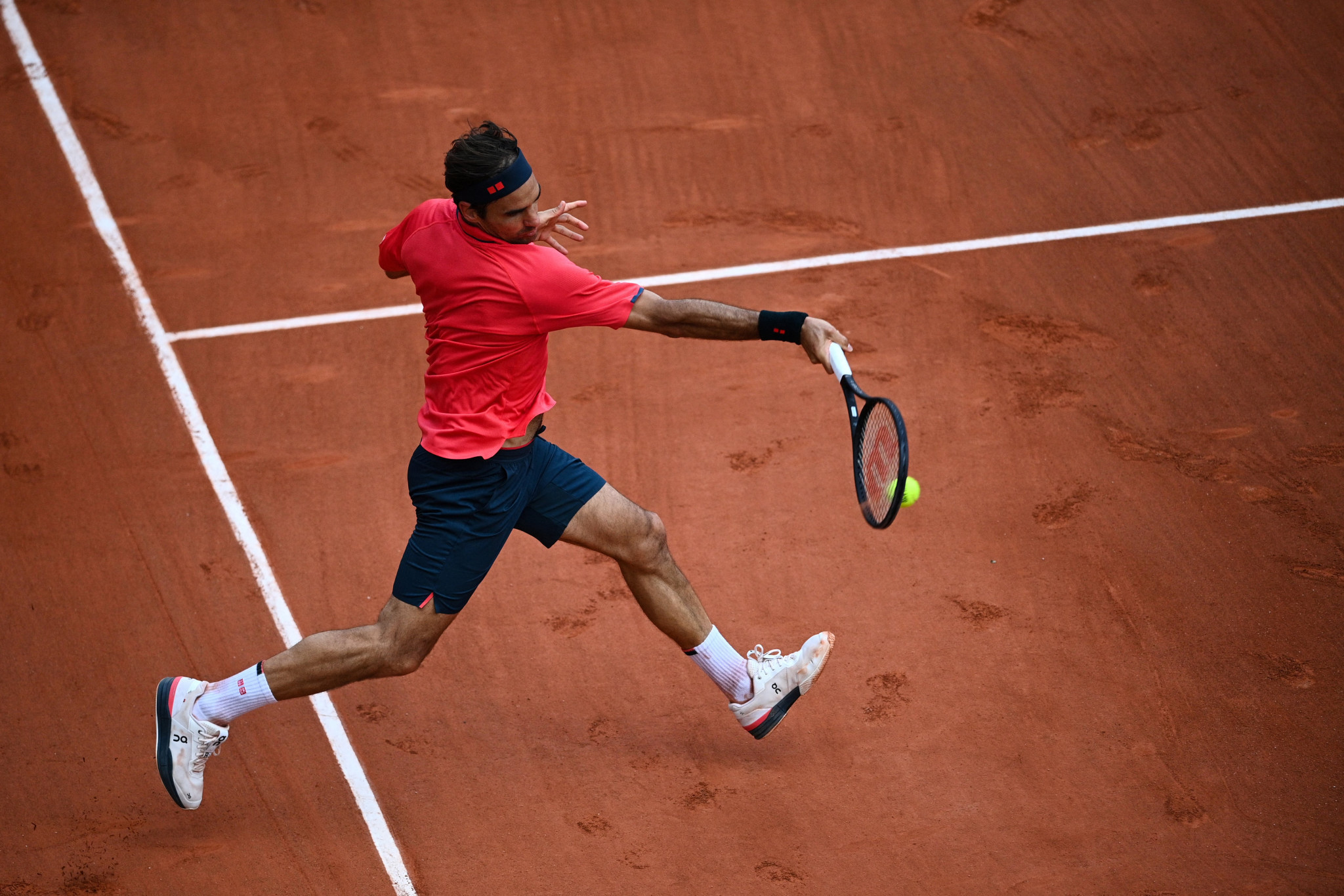 Federer overcomes Čilić test as Stephens ousts Plíšková at Roland Garros
