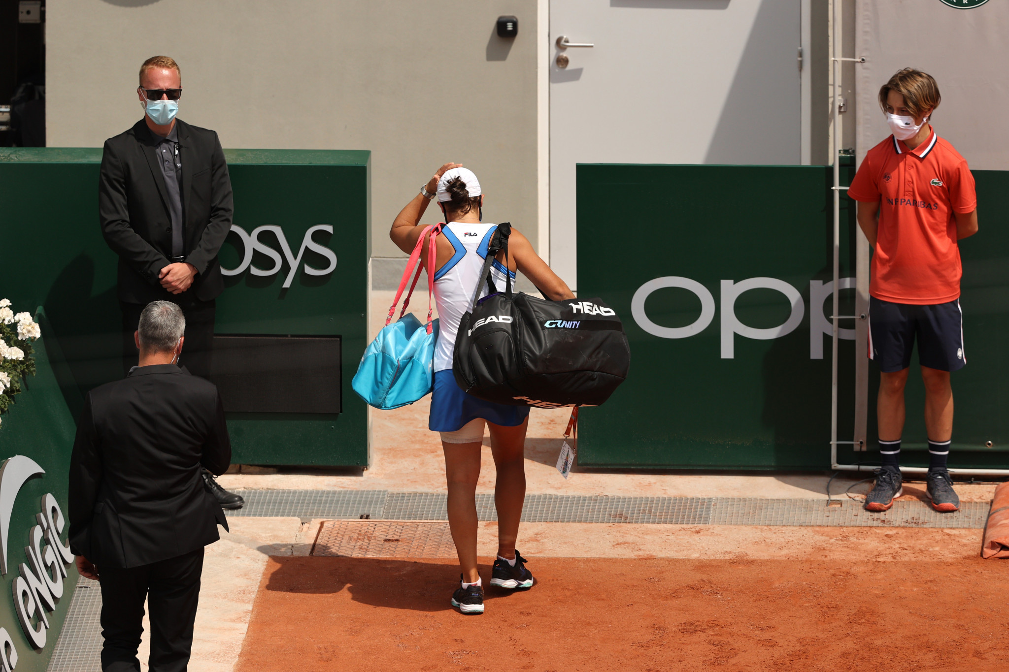 """World number one Barty suffers """"heartbreaking"""" French Open exit with injury"""