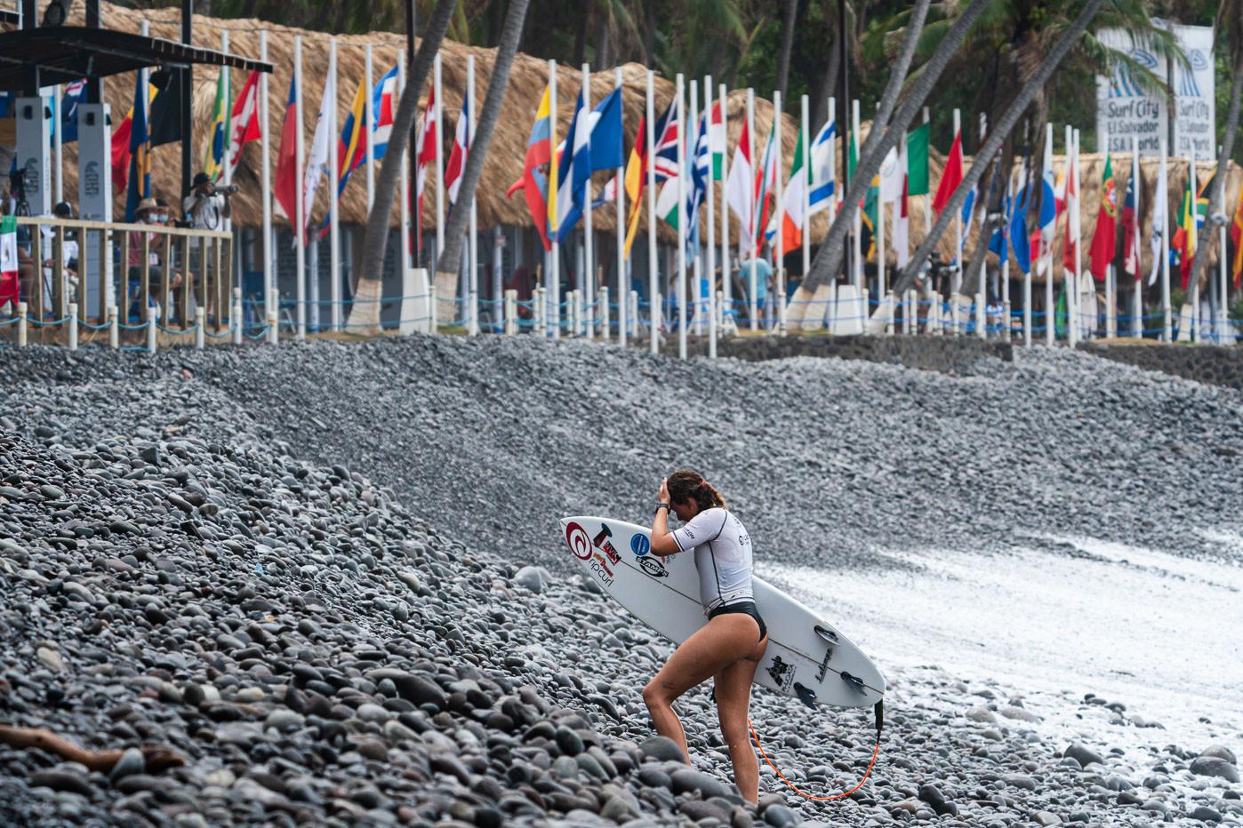El evento principal y el ensayo se llevaron a cabo durante el quinto día de competencia en Surf City, El Salvador © ISA / Sean Evans