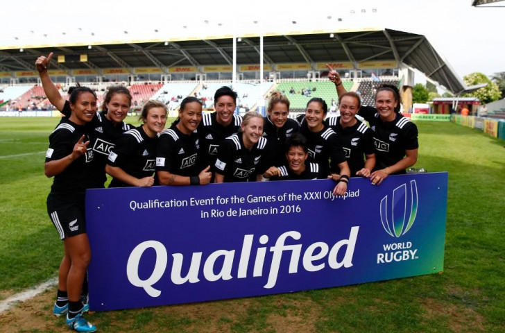 New Zealand celebrate after securing qualification for Rio 2016, despite slipping to defeat against Spain ©World Rugby