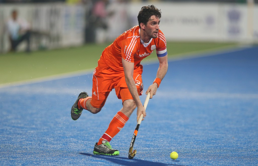 Double Dutch triumph as Van der Horst and Welten are crowned hockey's best players of 2015
