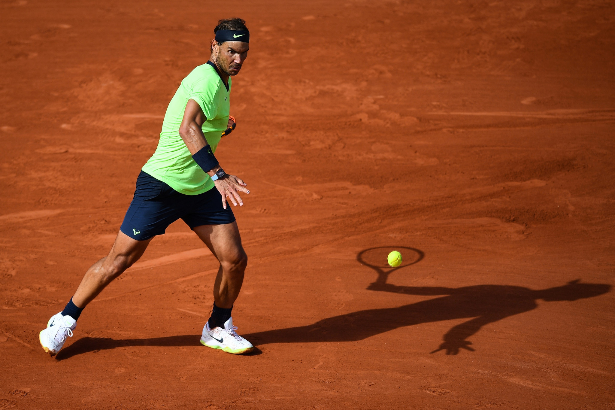 Nadal continues quest for 14th French Open title as Djokovic advances
