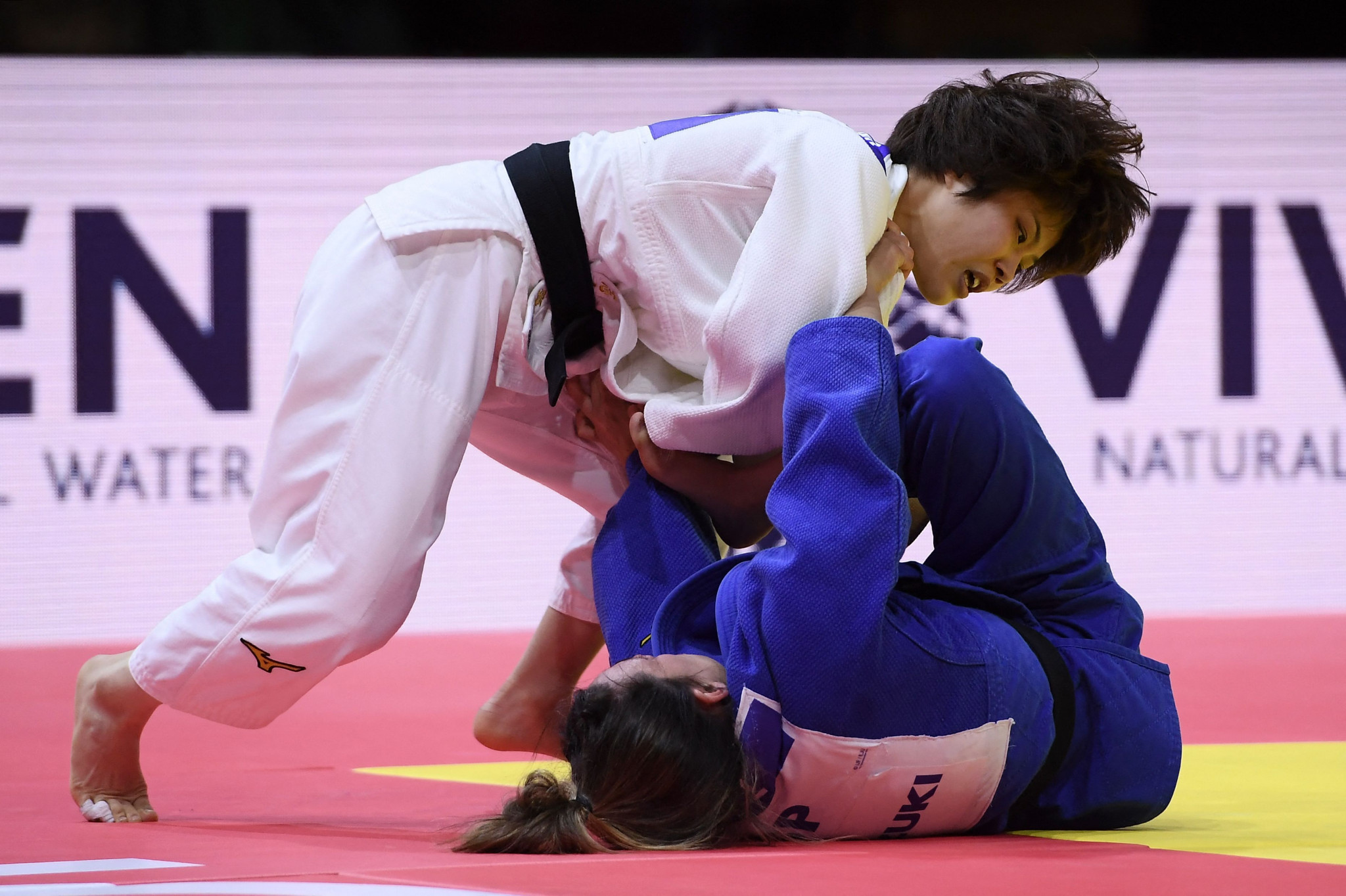 Ai Shishime proves too strong for Ana Perez Box in the women's under-52kg final ©Getty Images