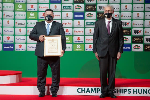 Lascau and referees honoured by IJF at World Championships