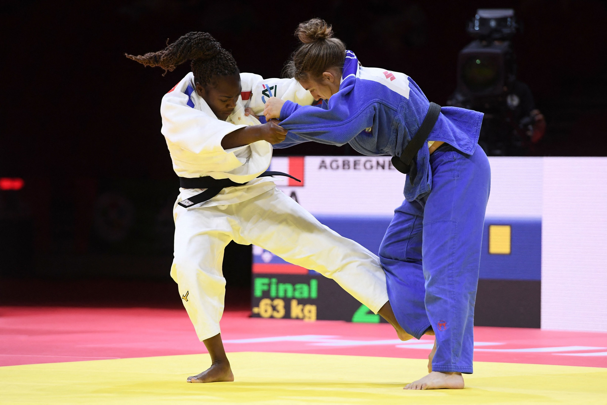 Clarisse Agbegnenou, in white, proved too strong for Andreja Leški in the women's under-63kg final at the World Championships ©Getty Images