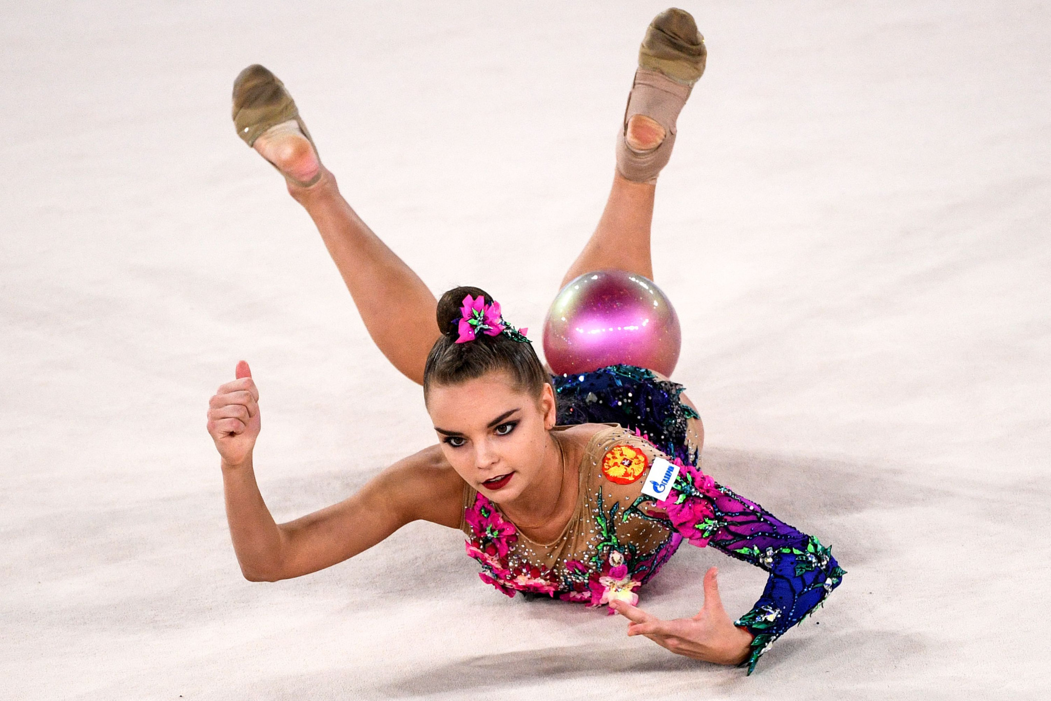 Three gold medals for Dina Averina on final day of European Rhythmic Gymnastics Championships
