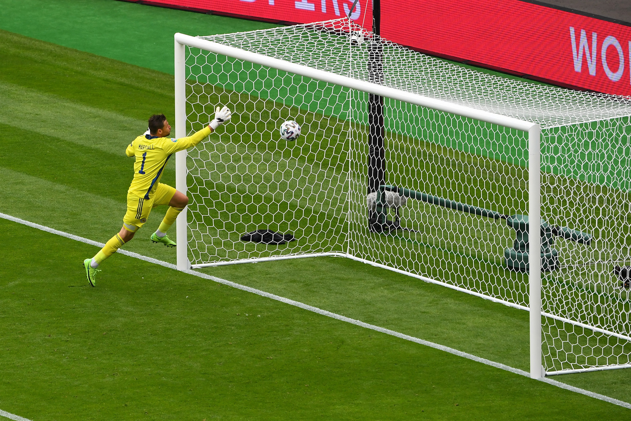 Schick from the halfway line gives Czech Republic spectacular Euro 2020 start