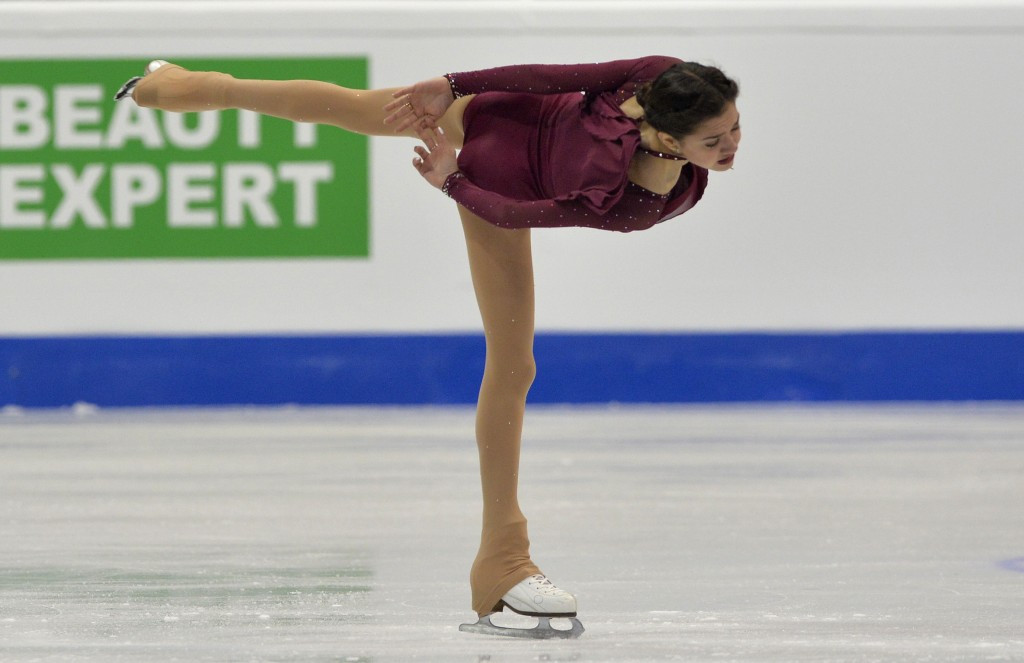 Medvedeva leads after ladies short programme at ISU European Figure Skating Championships
