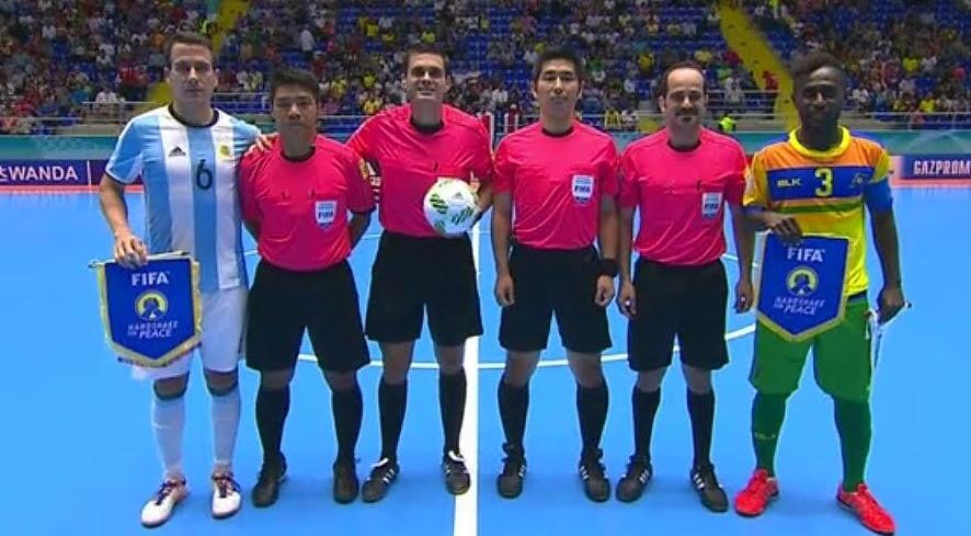 """FIFA """"Futsal"""" pasaulio taurės varžybų teisėjai Lietuvoje mokys naujos vaizdo palaikymo sistemos © FIFA"""