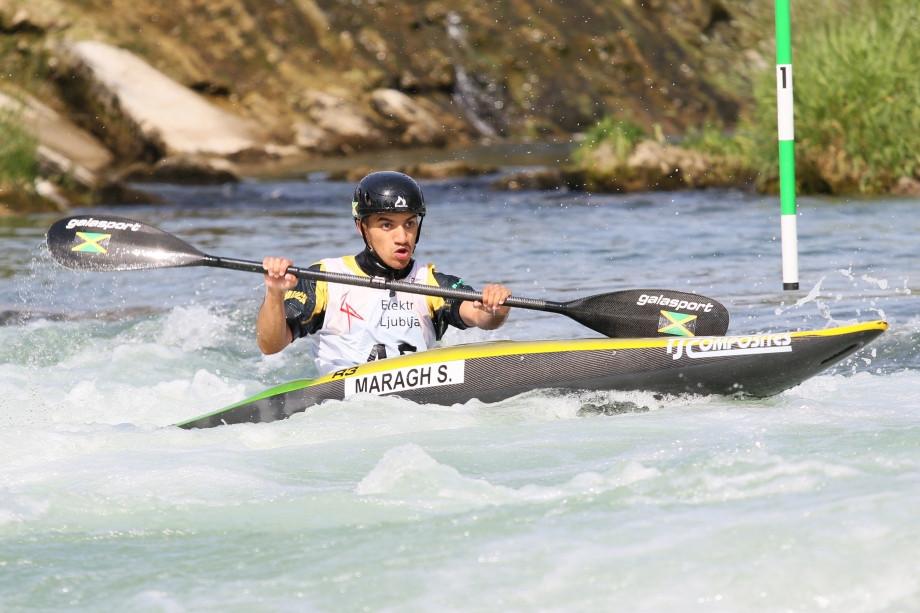 Solomon Mara z Jamajky sa dnes zapísal do histórie na majstrovstvách sveta juniorov a slalomárov v kanoe do 23 rokov v Slovinsku tým, že ako prvý tím zo svojej krajiny súťažil na ICF © Nina Jelenc / ICF