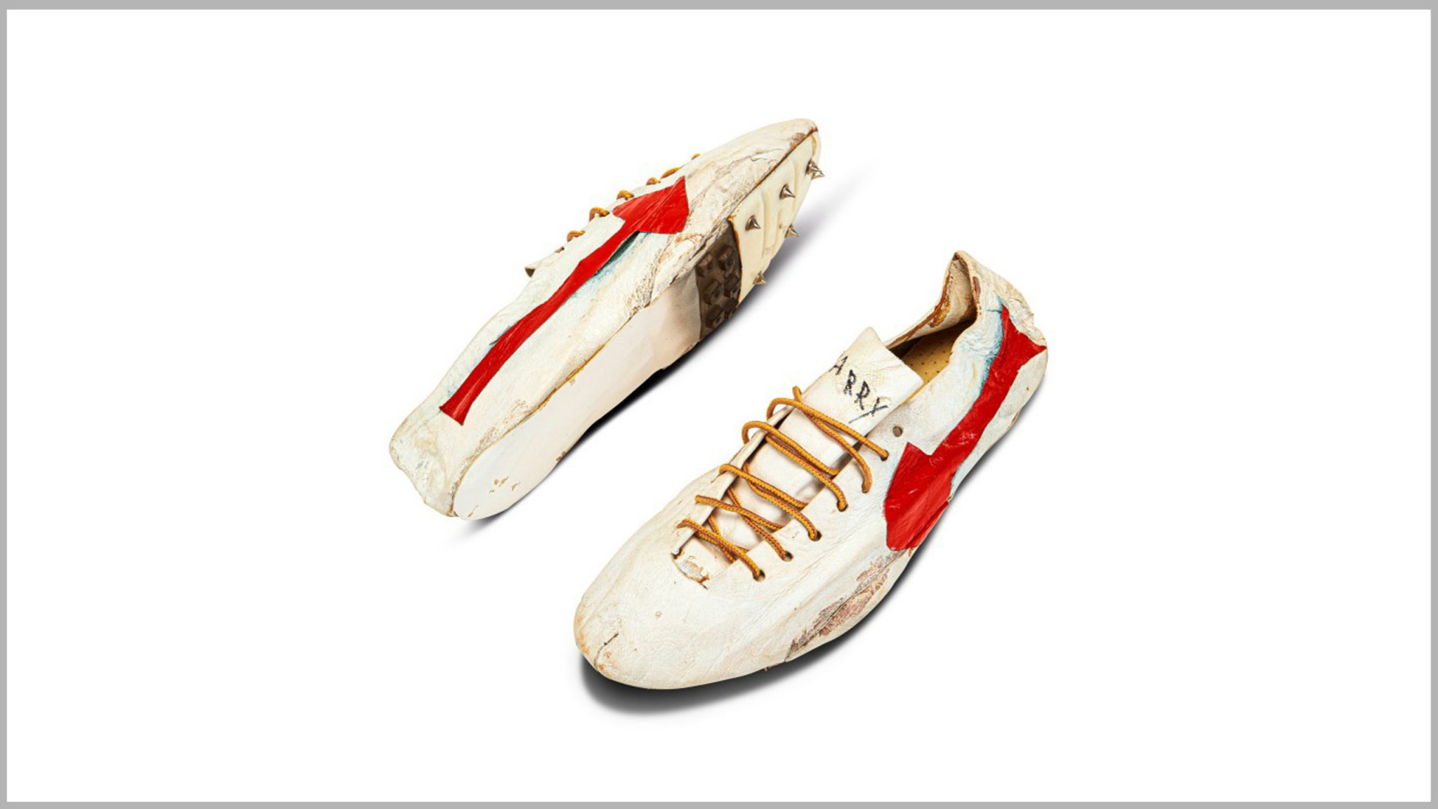 The crampons made for Canadian sprinter Harry Jerome featured a first design of the famous waffle soles invented by Nike © Sotheby's