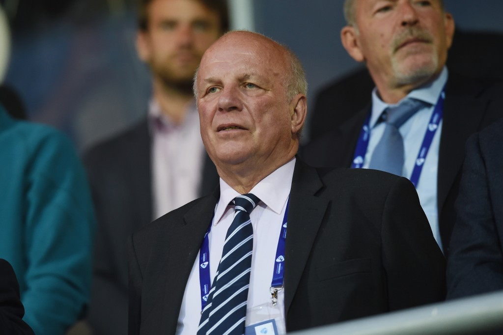 English FA chairman Dyke to leave post in June after three years