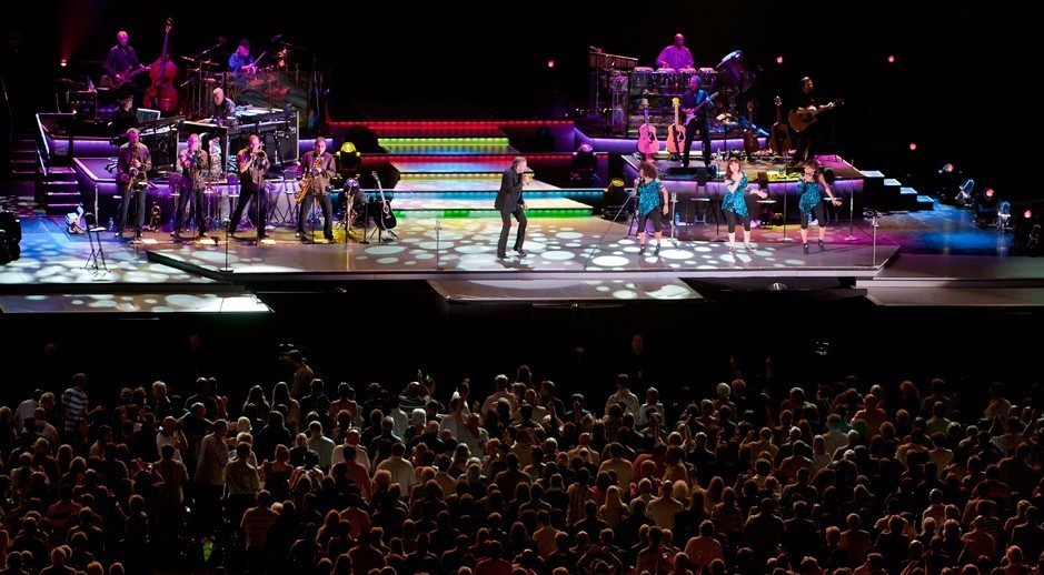 Neil Diamond appeared in concert at the Moses Mabhida Stadium but the arena has struggled to attract events ©Twitter