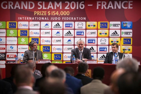 French Judo Federation President Jean-Luc Rougé (centre) emphasised the importance of the Paris Grand Slam at the start of this Olympic year, something whch will not be lost on Brazil's Sarah Menezes ©IJF
