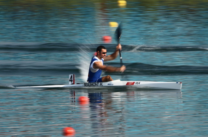 France's Maxime Beaumont overhauled Canada's reigning world champion Mark De Jonge in one of the fastest K1M 200m races of all-time