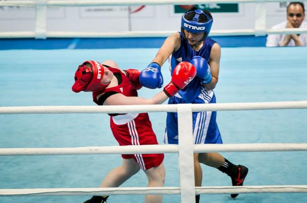 Ukraine's Karolina Makhno further enhanced her growing reputation with a stoppage victory over the US' junior national champion Amanda Bermudez