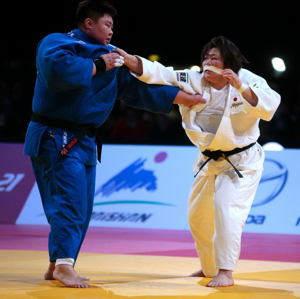 Japan's Megumi Tachimoto finished with a giant bandage stretched across her face but still won a record 14th Grand Slam medal after defeating China's Sisi Ma in the over 78kg division ©Getty Images