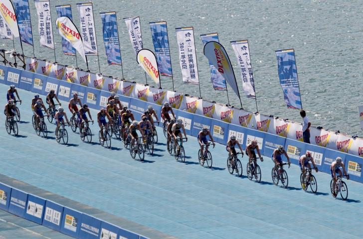 Australian women claim three golds at World Paratriathlon Event