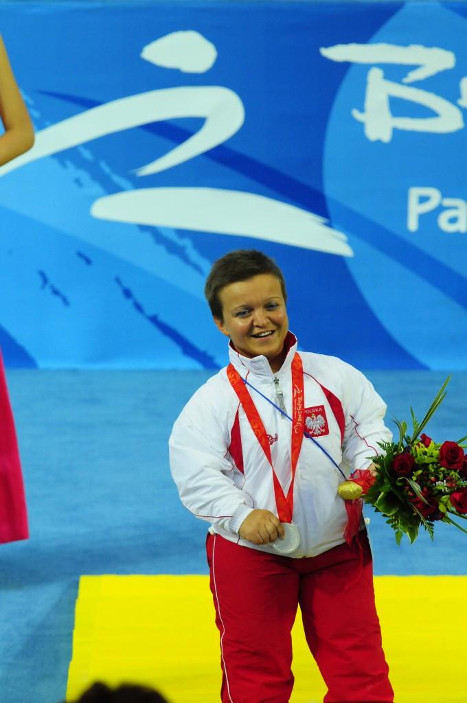 Kozdryk topples world champion Toporkova at IPC Powerlifting World Cup in Dubai