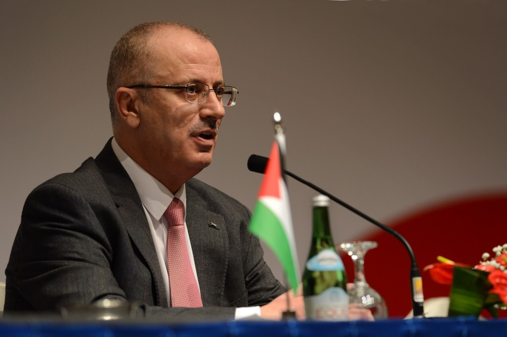 Palestine Prime Minister Rami Hamdallah met with FIFA President Sepp Blatter today as discussions continue surrounding the PFA's proposal to have the IFA banned