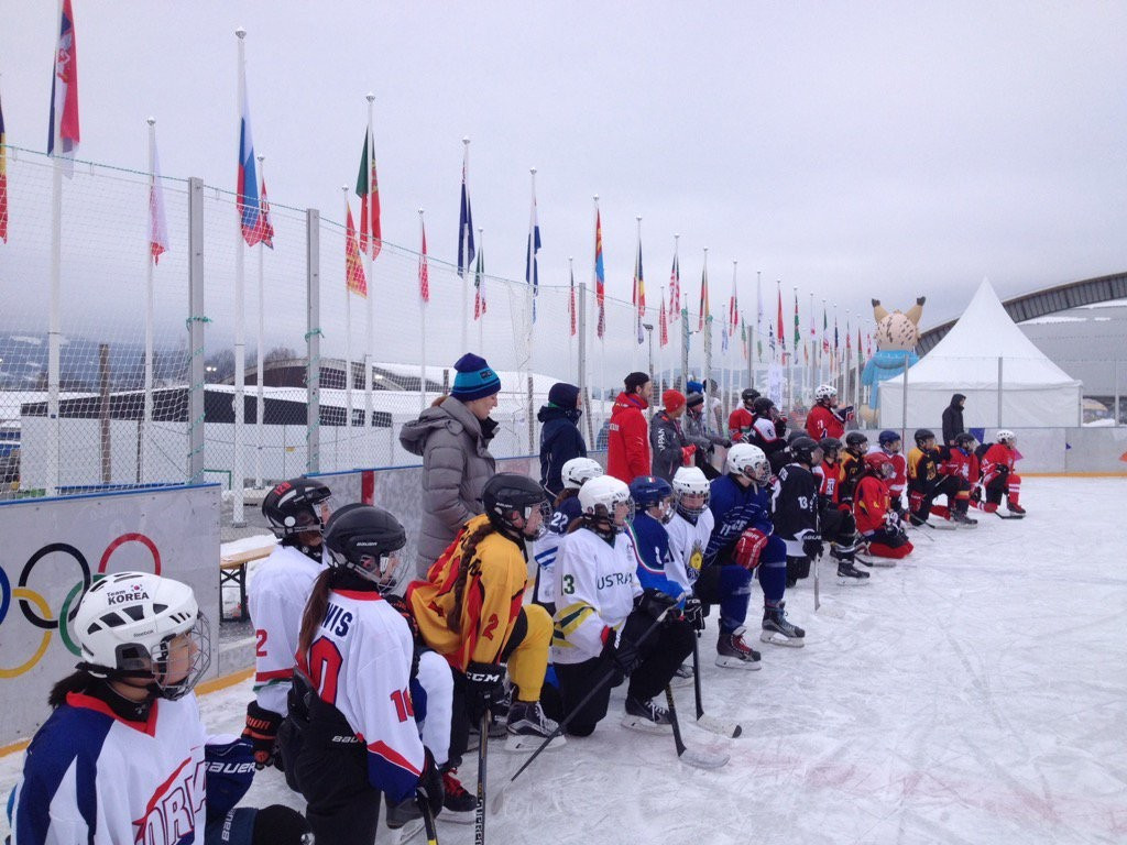 IOC Athletes' Commission take part in ice sledge hockey match at Lillehammer 2016