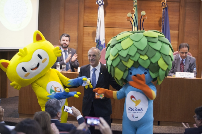 Olympic mascots Vinicius and Tom were the stars when Rio 2016 launched its last set of coins at the Brazilian Central Bank ©Rio 2016