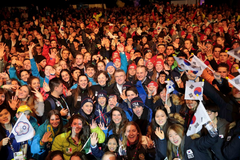 Winter Youth Olympic Flag handed to Lausanne as Lillehammer 2016 declared closed