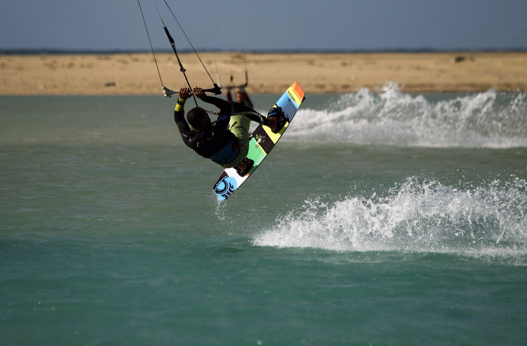 Kiteboarding governing body team up with players union to boost World Championships