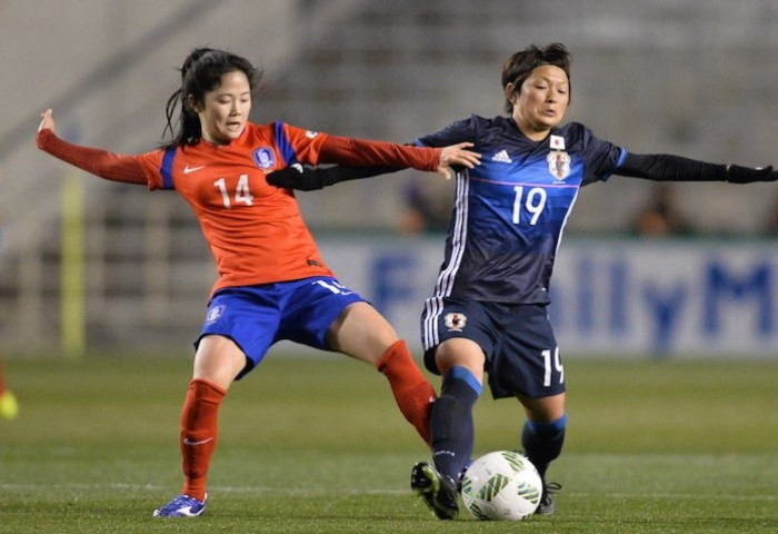 World Cup runners-up Japan remain without a win after they were held to a 1-1 draw by South Korea