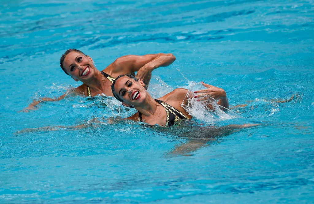 Spanish pair win duet gold as seven nations book Olympic place at Rio 2016 synchronised swimming qualifier