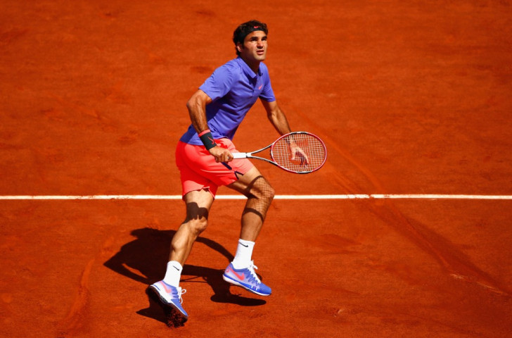 Federer criticises security after first round French Open victory