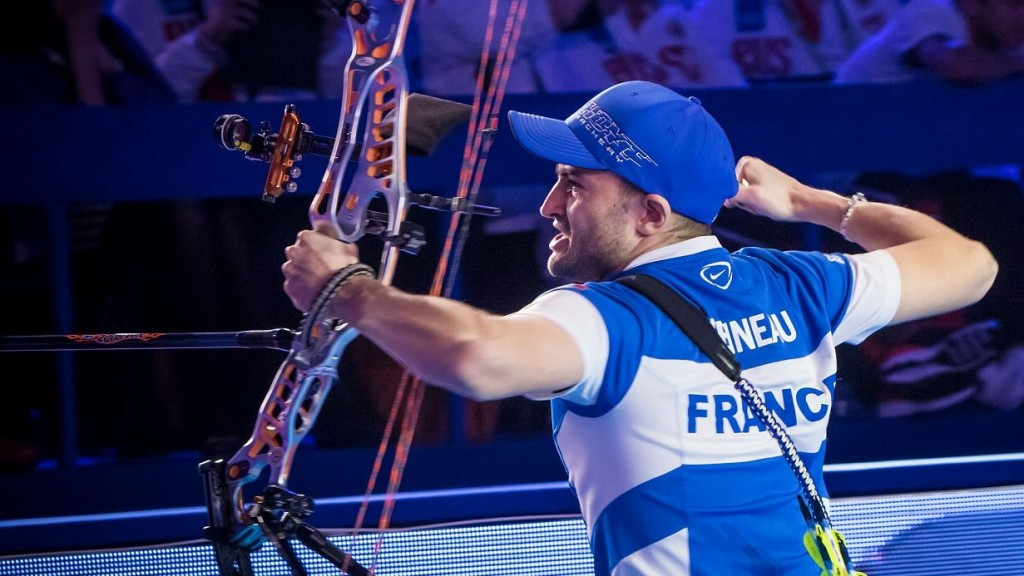 France's Peineau wins heavyweight clash to claim men's compound title at World Indoor Archery Championships