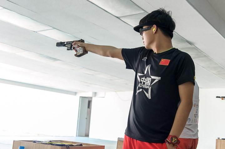 China's Li Yuehong took the silver medal
