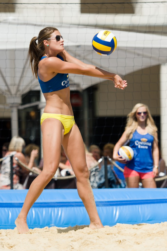 Britain's Zara Dampney welcomed the move to include beach volleyball at Gold Coast 2018 ©Getty Images