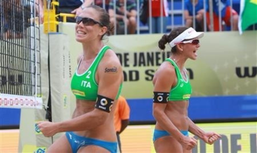 Italy's Viktoria Orsi Toth and Marta Menegatti earned a shock victory in the second round