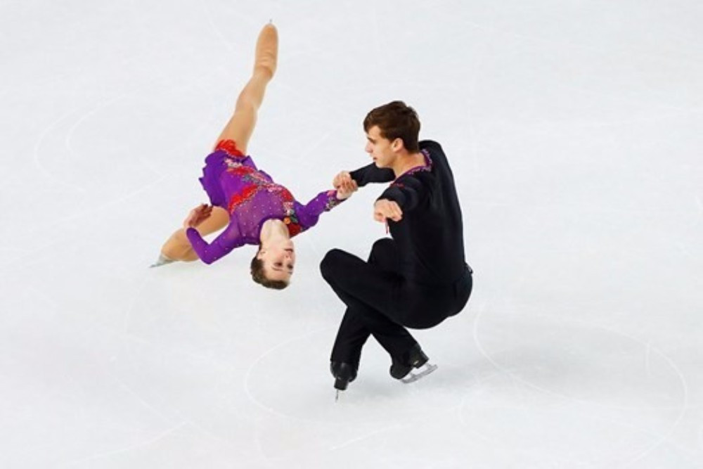 The Czech Republic's Anna Duskova and Martin Bidar built a strong lead in the pairs competition