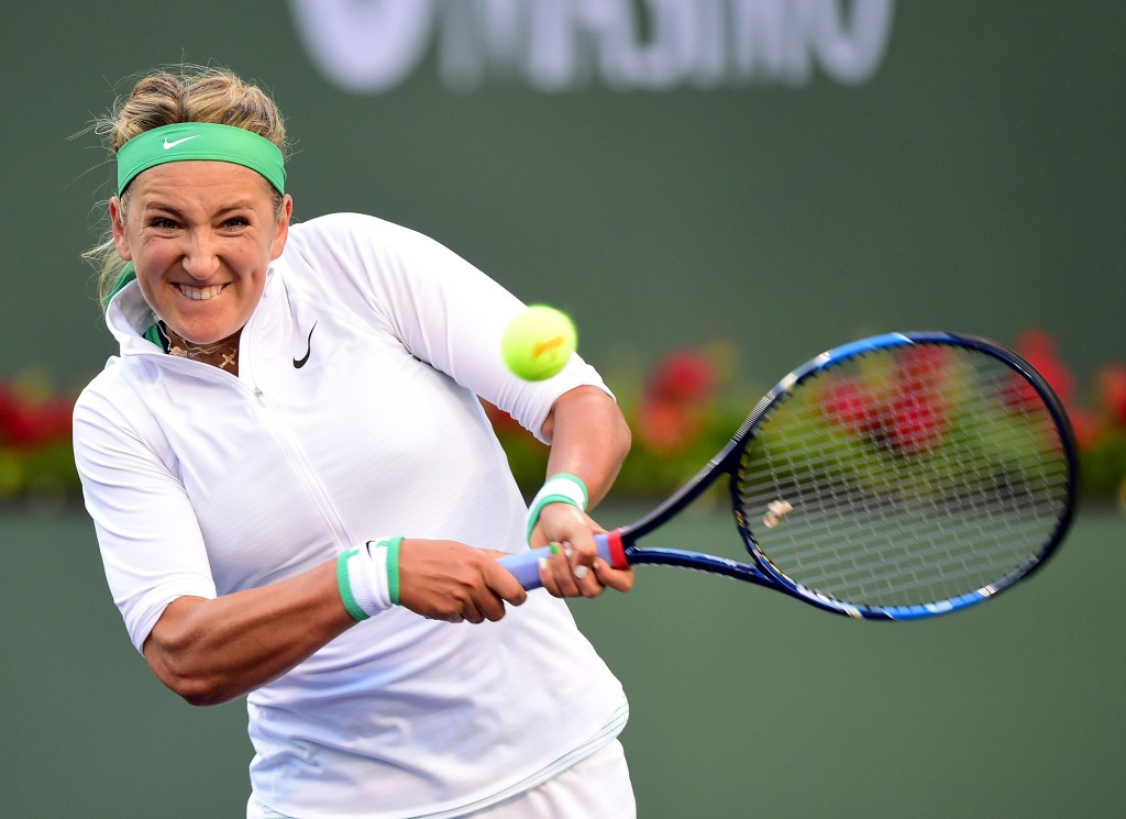 Victoria Azarenka stormed to victory in her quarter-final tie