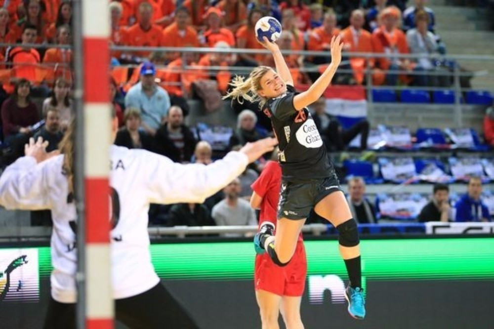 World Championship silver medallists The Netherlands won their second match to reach Rio 2016