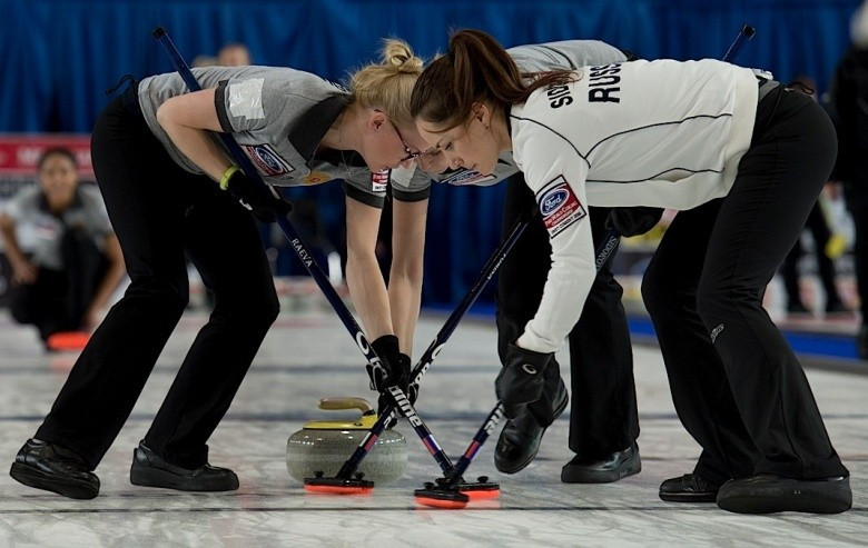 Russia maintain pursuit of play-off place with victory over Switzerland at World Women's Curling Championships