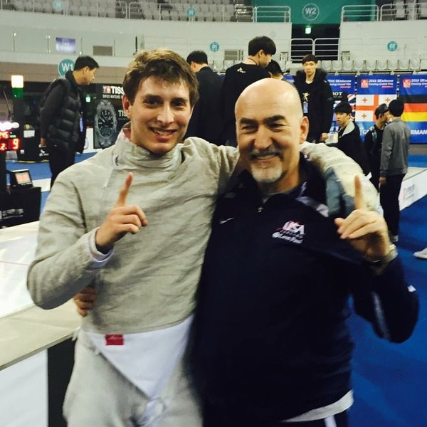 Eli Dershwitz of the United States sealed qualification for the Rio 2016 Olympic Games with men's sabre gold ©US Fencing/Twitter