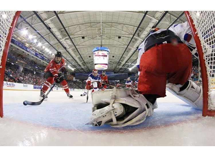 Canada boost semi-final hopes with victory over Russia at Women's Ice Hockey World Championship